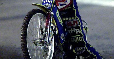 Coles seals Mildenhall return