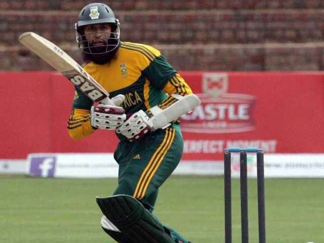 South African batsman Hashim Amla  made a sparkling 122 not out