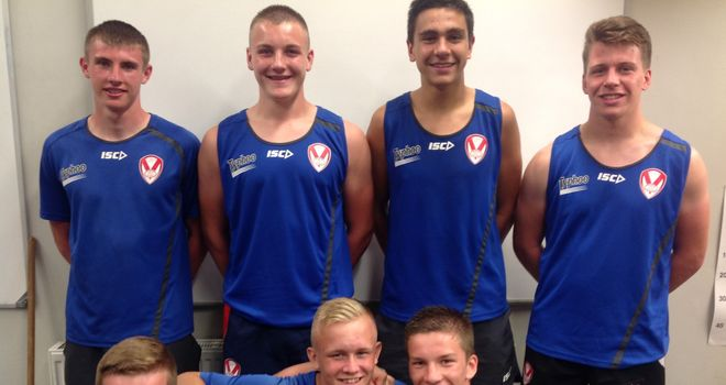 Youngsters sign professional contracts with St Helens