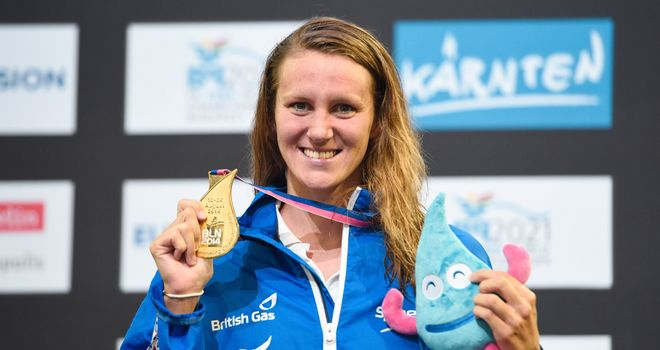 Jazz Carlin: Welsh record in winning the European 400m freestyle title