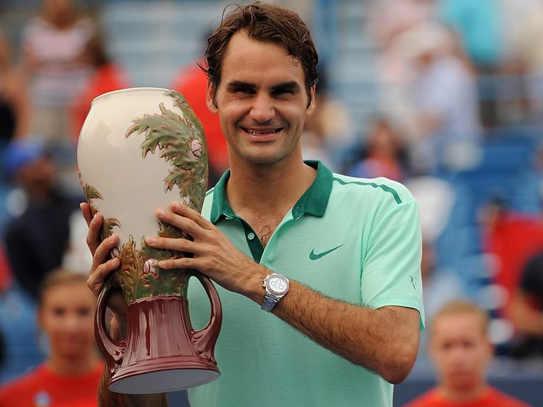 Roger Federer: Beat Ferrer in three sets