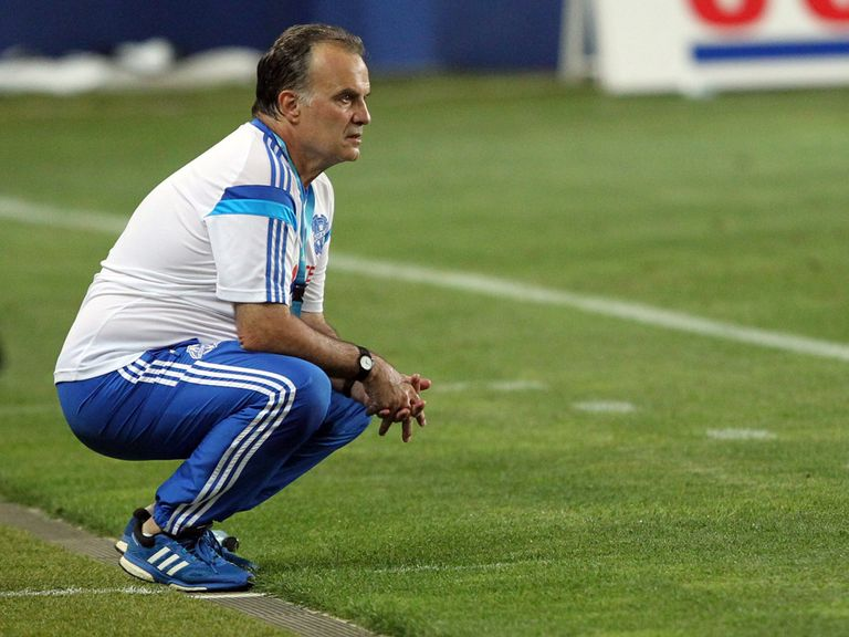 Marseille's Argentinian head coach Marcelo Bielsa reacts