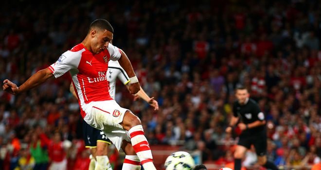 Alex Oxlade-Chamberlain: Netted equaliser for Arsenal