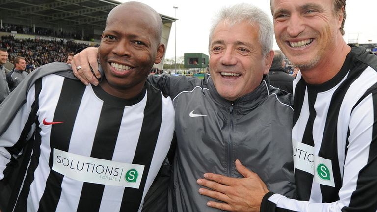 Tino Asprilla (l): Offered to help his former side