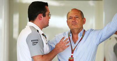 Boullier defends McLaren delay
