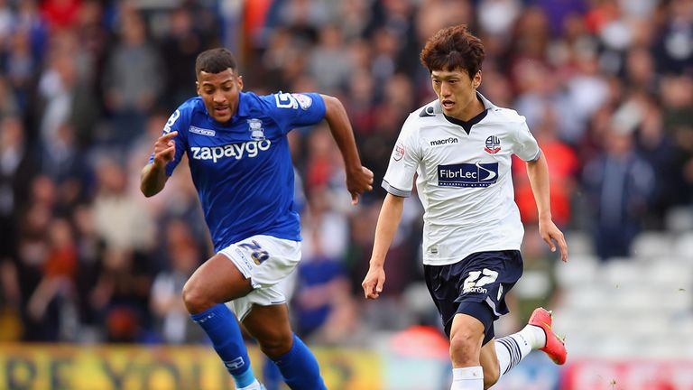 Lee Chung-yong (right): Equalised for Bolton