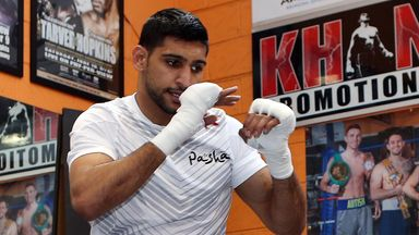 Amir Khan: Not interested in fighting Kell Brook, says Hearn