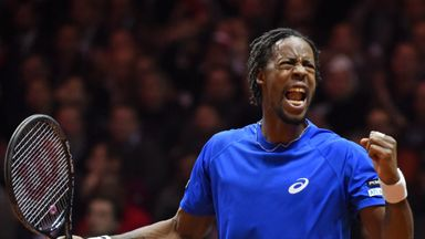 Gael Monfils on his way to victory over against Roger Federer