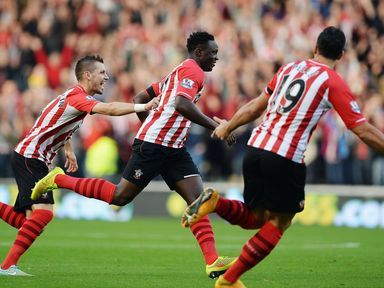 Victor Wanyama of Southampton celebrates with team mates after scoring against Hull.