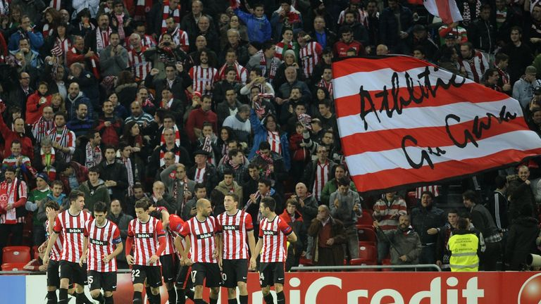 Mikel San Jose: Congratulated by Athletic team-mates
