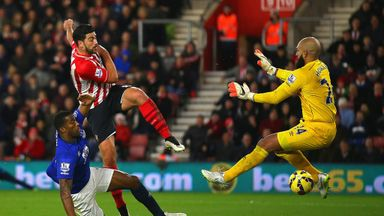 Southampton's Graziano Pelle scores their second goal past Tim Howard at St Mary's