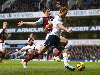 Tottenham's Harry Kane bursts into the penalty area