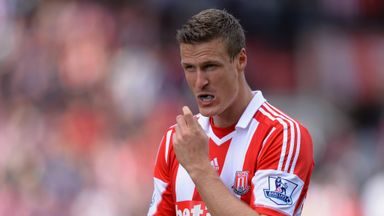 Robert Huth: Potters defender makes loan move to Leicester