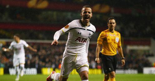 Roberto Soldado: Tottenham striker wanted by Villarreal