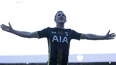 Harry Kane: Successive monthly player awards