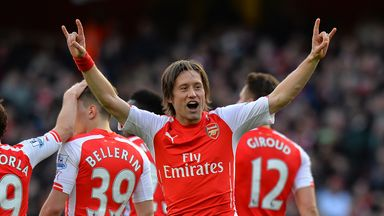Tomas Rosicky is planning to start contract negotiations when he returns from the international break