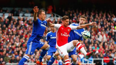 Olivier Giroud: Feels Arsenal can mount title challenge next term