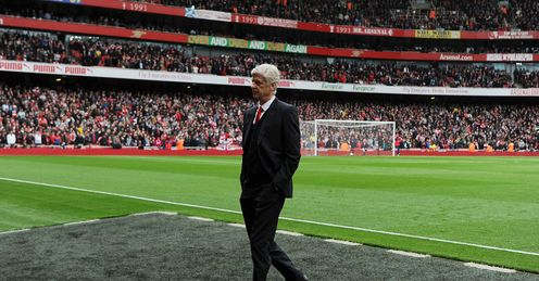 Arsene Wenger: Chelsea's title to lose