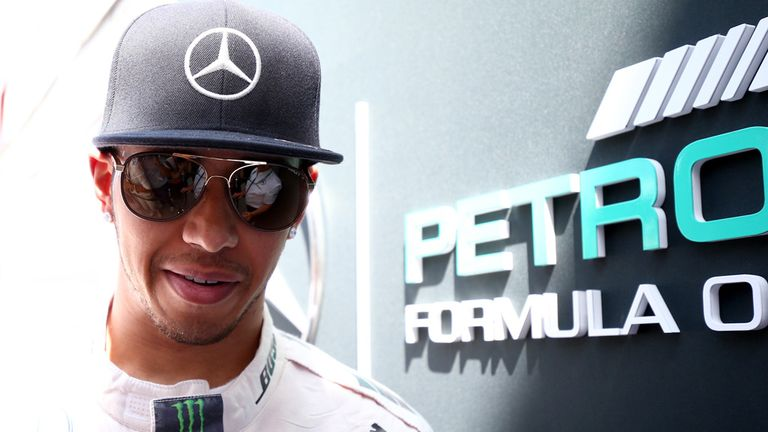 Lewis hamilton signs new mercedes contract until 2018 for Mercedes benz hat lewis hamilton