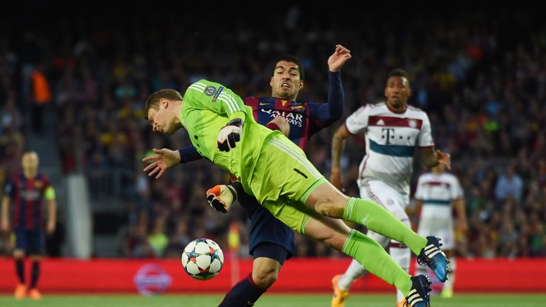 Luis Suarez nearly caught Bayern out early on