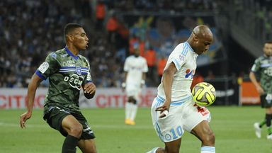 Andre Ayew takes possession for Marseille