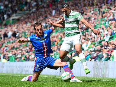Gary Warren tries to stop Emilio Izaguirre