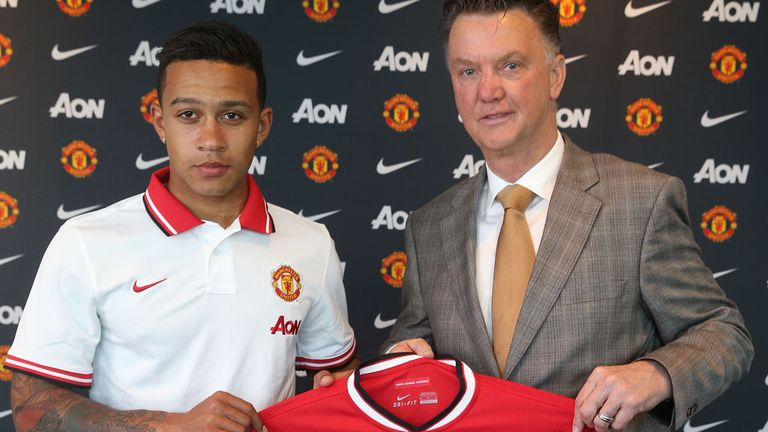 Van Gaal must gel together new signings, such as Depay, says Cascarino