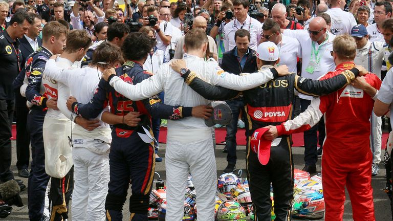 The F1 drivers pay tribute to Jules Bianchi on the Hungarian GP grid