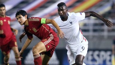 Jesus Vallejo (l) will remain at Zaragoza on loan for the 15/16 season