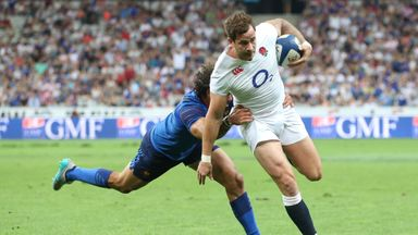 Danny Cipriani breaks past Yoann Huget to score a try