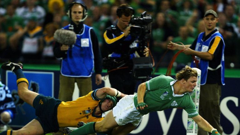 Brian O'Driscoll scores against Australia during the pool stages