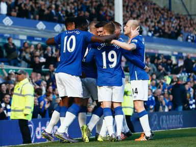 Everton host Manchester United in one of Saturday's Super 6 clashes