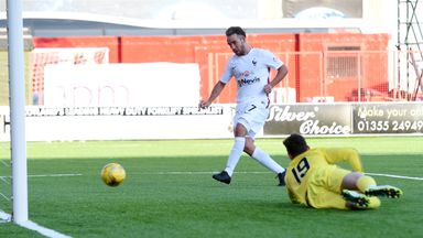 Dougie Imrie scored a late leveller for Hamilton, who were wearing the France change strip against Aberdeen
