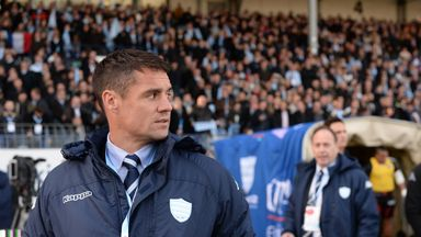 Dan Carter looks on as Racing 92 take on Toulouse