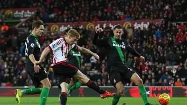Duncan Watmore secures three points for Sunderland, scoring his team's second goal in the 84th minute