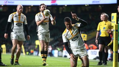 Frank Halai goes over for Wasps