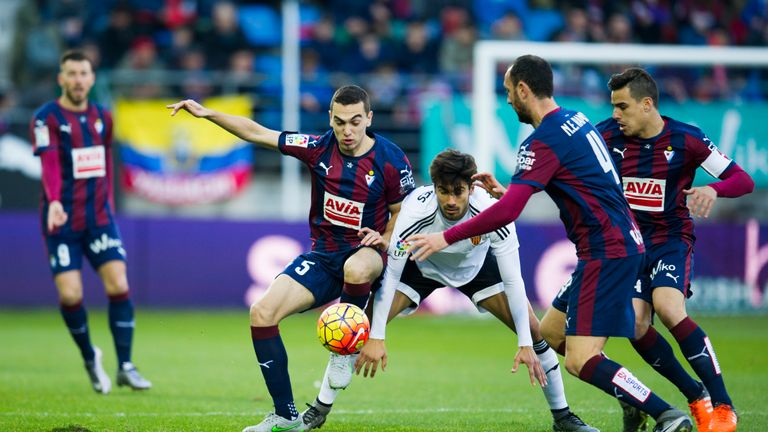 Valencia drew their first La Liga game under Neville against Eibar last week