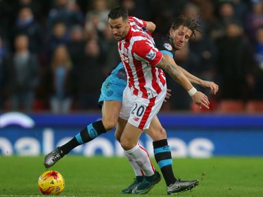 Geoff Cameron tries to get away from Sam Hutchinson