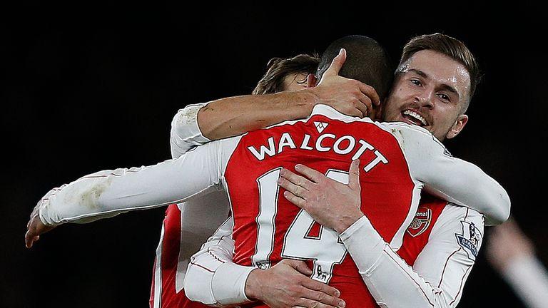 El Arsenal gana al City y se queda solo en la persecución del Leicester