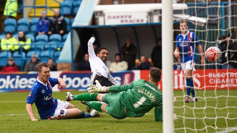 Aaron Lennon scores Everton's second goal during their 3-0 FA Cup fourth round victory at Carlisle