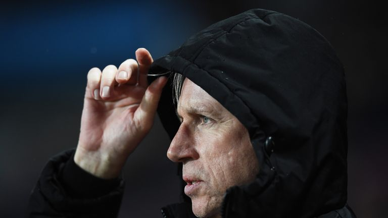 Alan Pardew looks on as Palace lose to Aston Villa