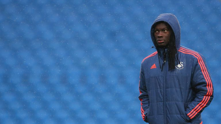 Bafetimbi Gomis has not started any of Swansea's past four league games