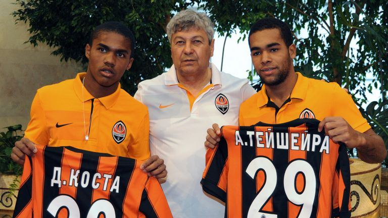 Teixeira (R) joined Shakhtar in 2010 along with Douglas Costa
