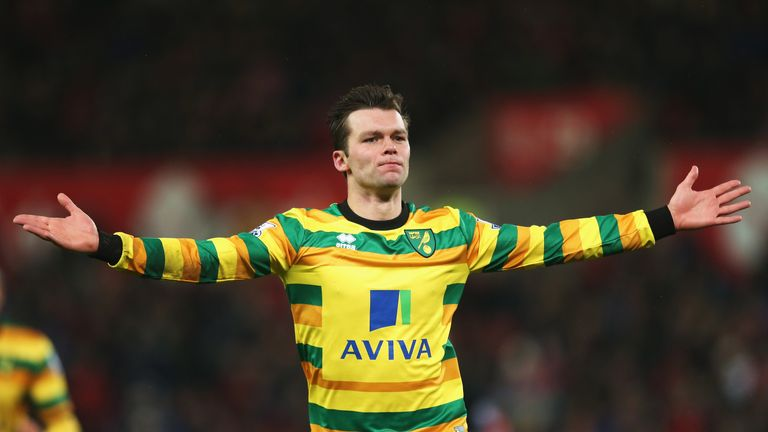 Jonny Howson celebrates scoring Norwich's first goal against Stoke