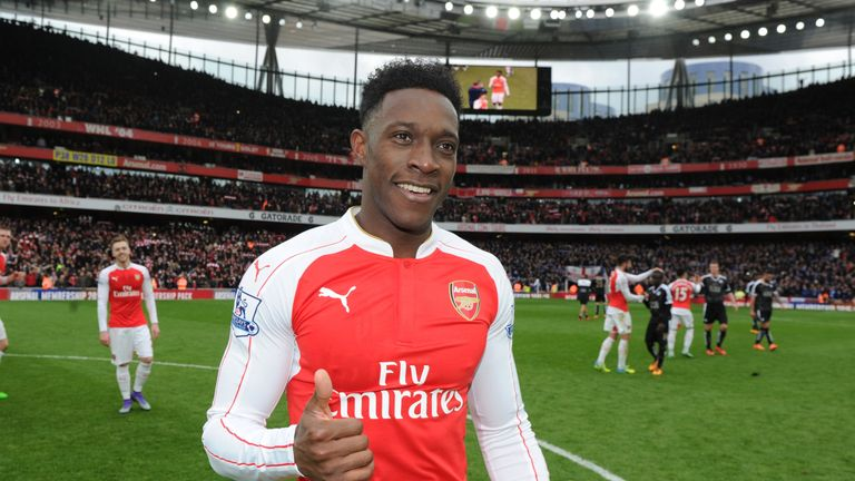 Welbeck takes the applause from the Arsenal crowd