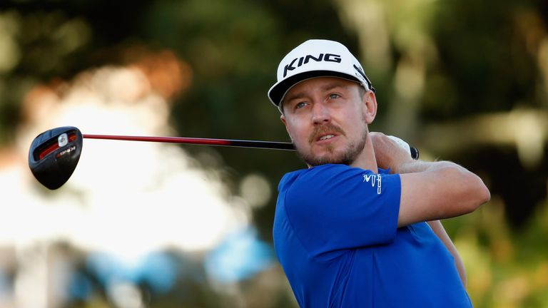 Blixt closed with a three-under 69