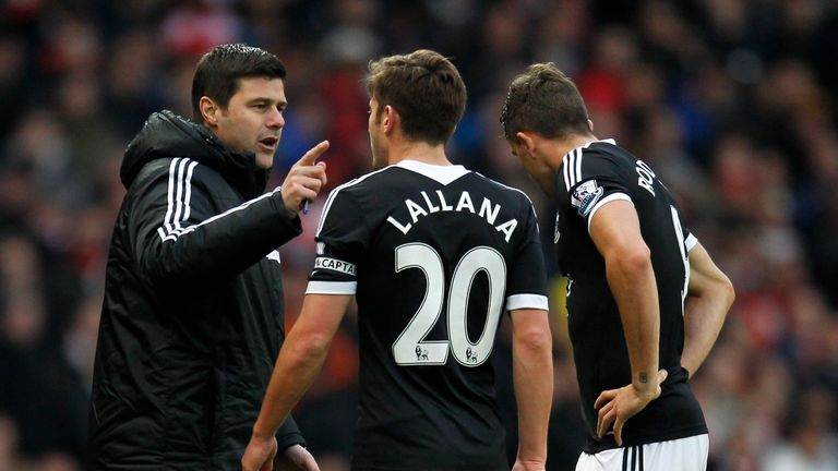 Pochettino issues instructions to Adam Lallana during the pair's time at Southampton