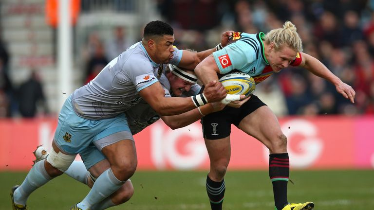 Luther Burrell gets to grips with Harlequins' Matt Hopper