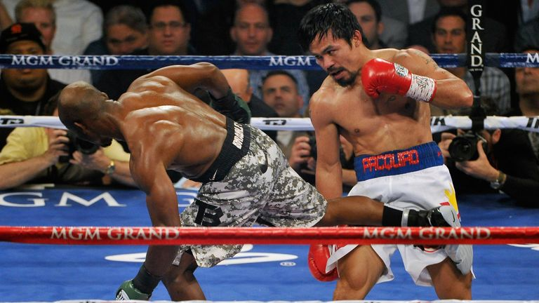Bradley (left) won a split decision in 2012 but Manny Pacquiao won their rematch in 2014