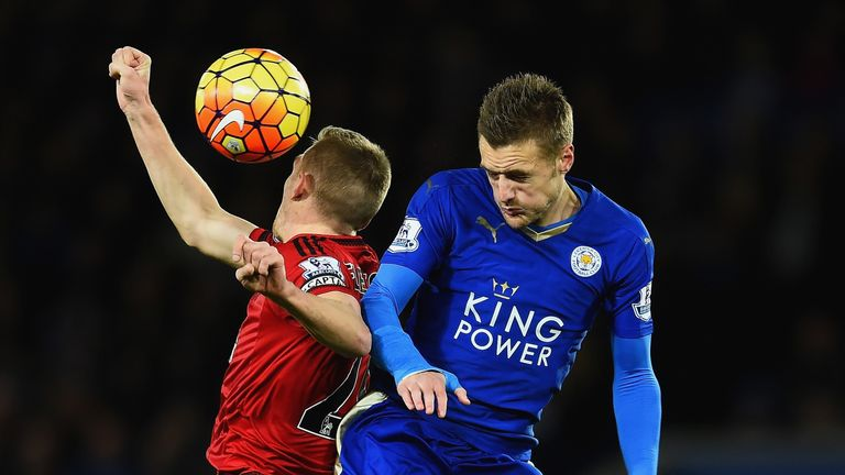 Darren Fletcher and Jamie Vardy challenge for a header